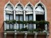 Fenêtres à San Tomà à Venise