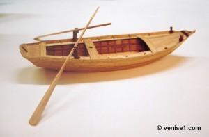 Maquettes de barques de la lagune vénitienne