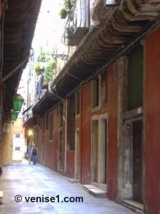Autour du Rialto calle madonna del Rialto