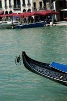 fer de poupe à charnière des gondoles à Venise