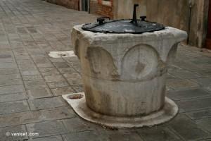 Des puits pour chats à Venise