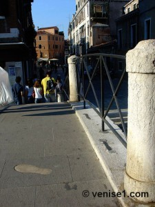 Pont dei pugni à San Barnaba