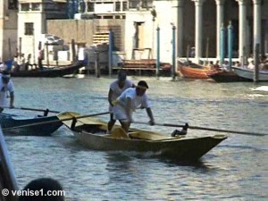 course des femmes de la régate historique de Venise ou Regata storica