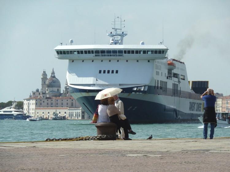 Navires de croisière, suite mais pas Fin