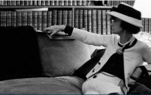 Culture Chanel : la femme qui lit