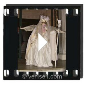 Vidéo des masques et costumes au carnaval de Venise