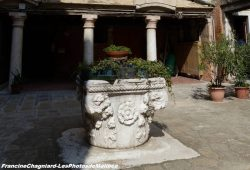 photos de puits vénitiens du XIIe au XVIe siècle