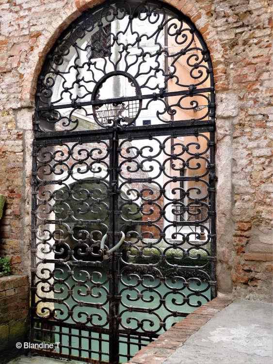 Photo de fer forgé au palazzo Morosini à Venise