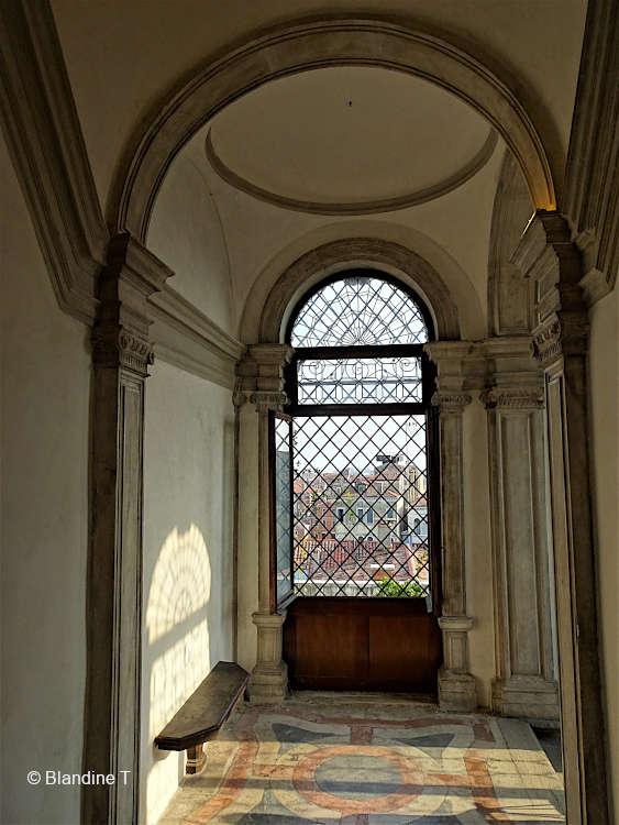 Grille fer forgé du palais Pisani de Santo Stefano à Venise
