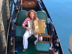 grand tour en gondole avec musicien