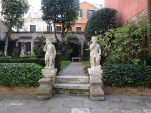 Jardin du palais BruZane à Venise